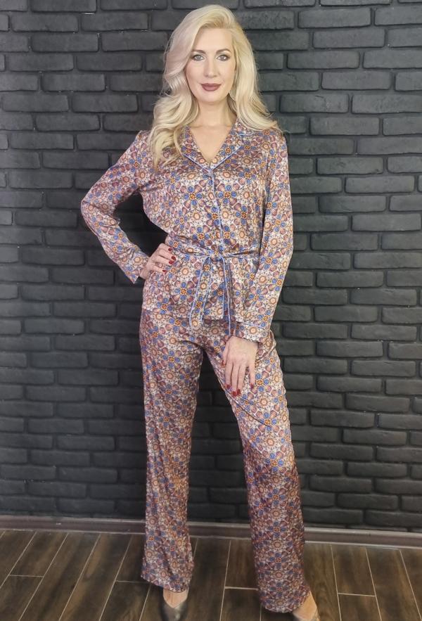 """Шёлковый брючный костюм в пижамном стиле с принтом Мандалы """"Цветок Души""""."""
